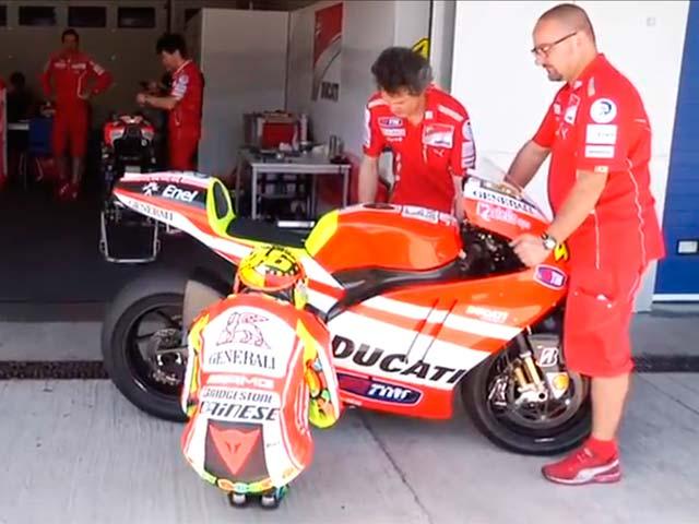 Valentino Rossi rueda con la Ducati GP 12