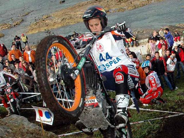 Laia Sanz gana la 1ª prueba del Campeonato de Europa de Trial Femenino