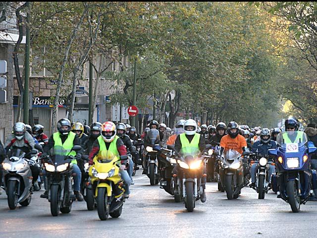 Motoristas contra los guadarraíles