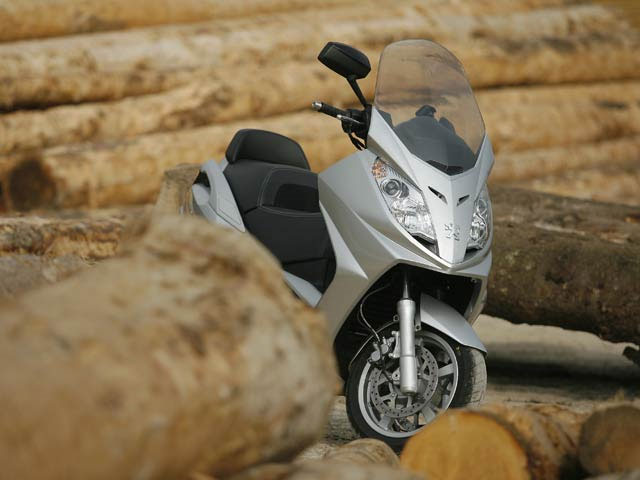 Imagen de Galeria de Peugeot Satelis 400 y 500