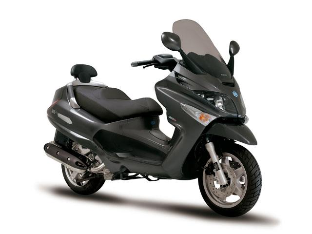 Piaggio XEvo 400
