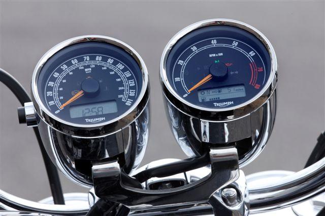 Triumph Rocket III Roadster 2300 cc
