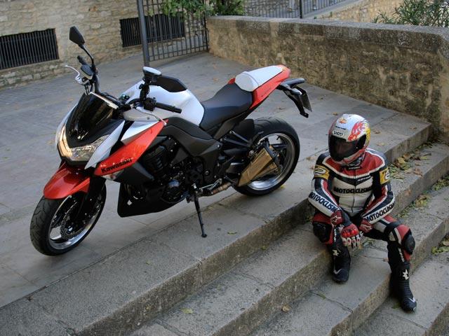 Imagen de Galeria de Kawasaki Z 1000 2010
