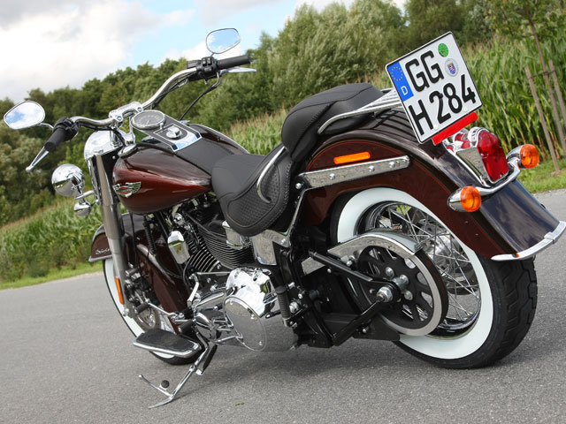 Harley- Davidson Softail Deluxe