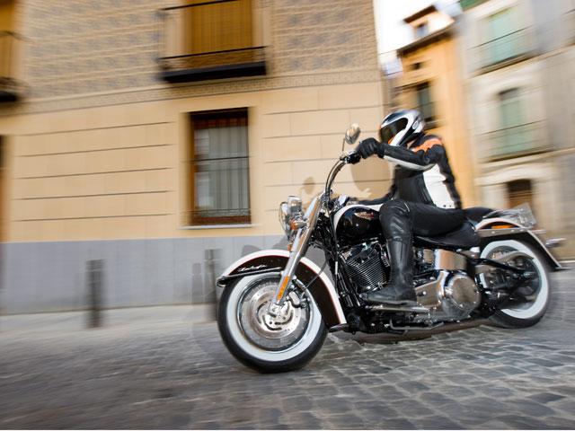 Harley-Davidson FLSTN Softail Deluxe