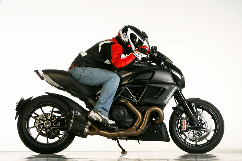 La Ducati Diavel Carbon desde el puesto de mando