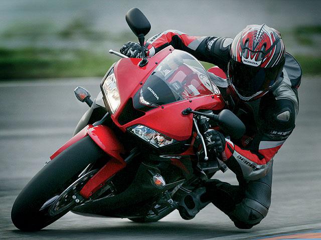 Prueba la nueva Honda CBR 600 RR en circuito