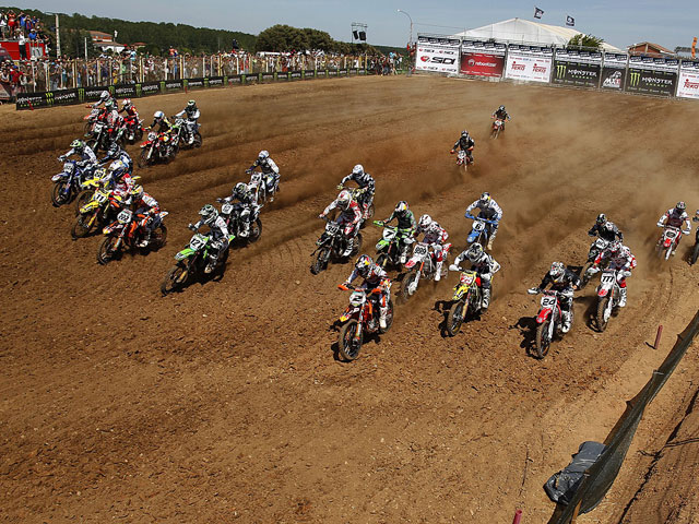 Victorias de Antonio Cairoli y Ken Roczen en el Mundial de Motocross