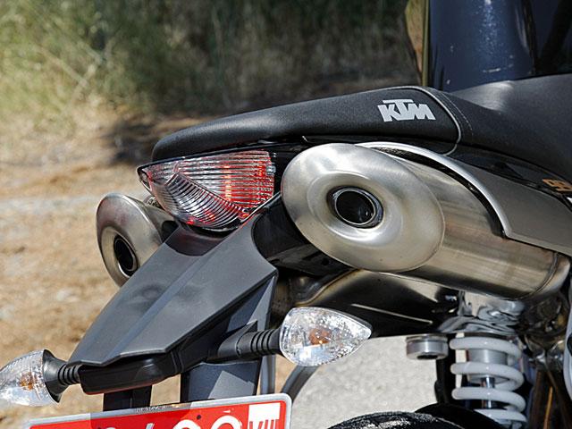 Ducati Monster 1100, MV Agusta Brutale, Triumph Speed Triple y Super Duke Black