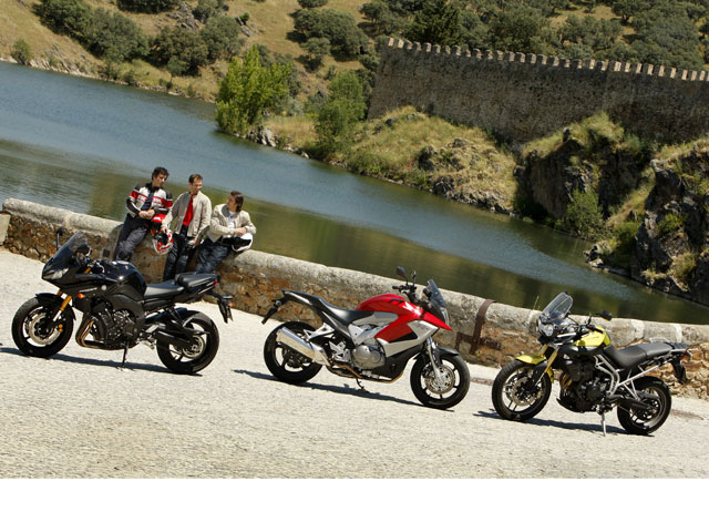 Comparativa Yamaha Fazer8, Honda Crossrunner y Triumph Tiger 800