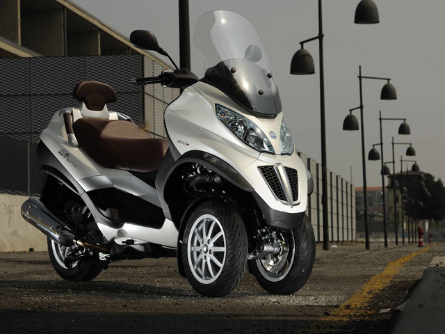 Piaggio presenta el Mp3 Touring 500