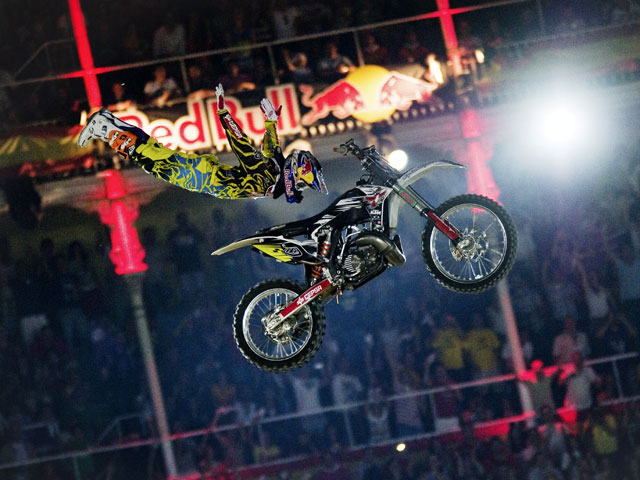 Dani Torres logra la victoria en el Red Bull X-Fighters de Madrid