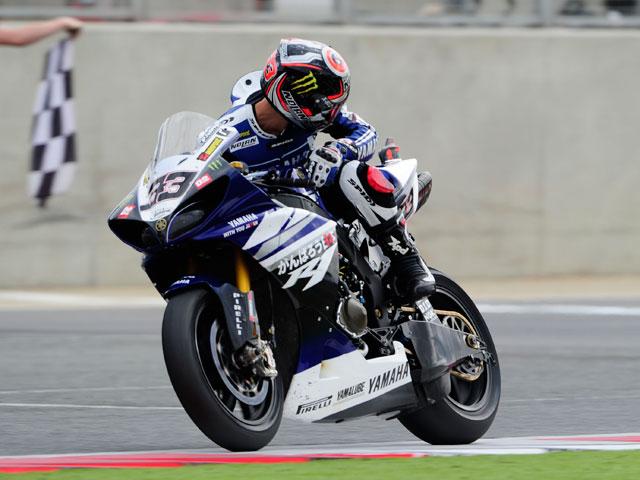 Doble victoria de Carlos Checa en el Mundial de Superbike de Silverstone