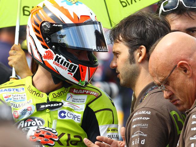 Dani Pedrosa domina en MotoGP; Terol y Bradl, en 125 y Moto2