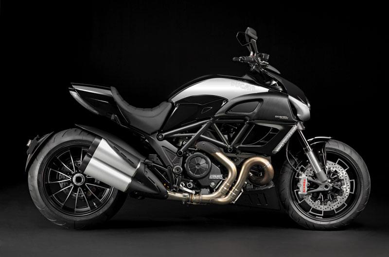 Galería de fotos de la Ducati Diavel Cromo