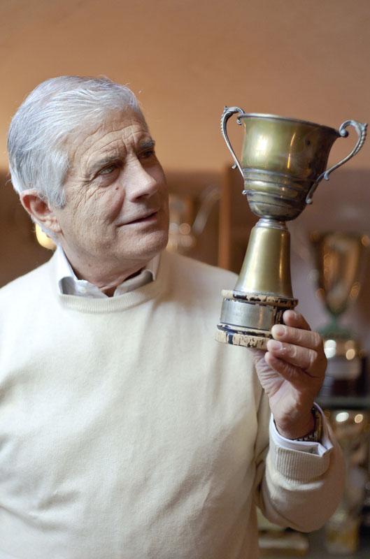 Agostini y su primer trofeo