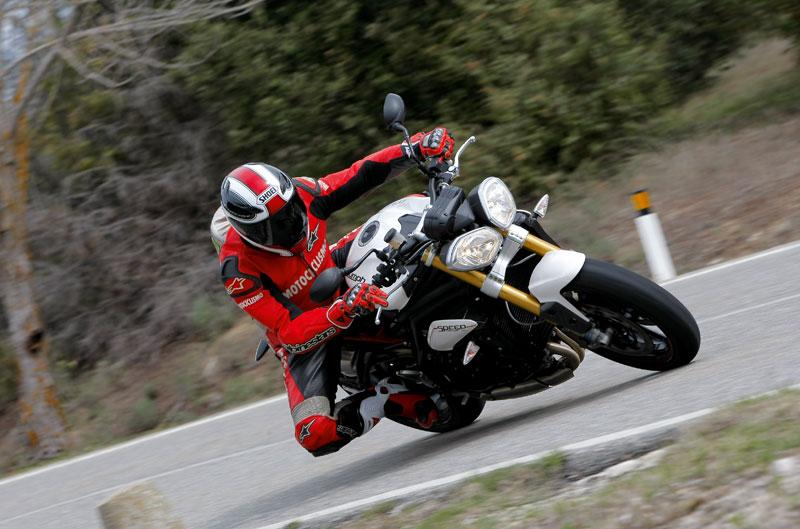 Triumph Speed Triple R 2012. Galería de fotos
