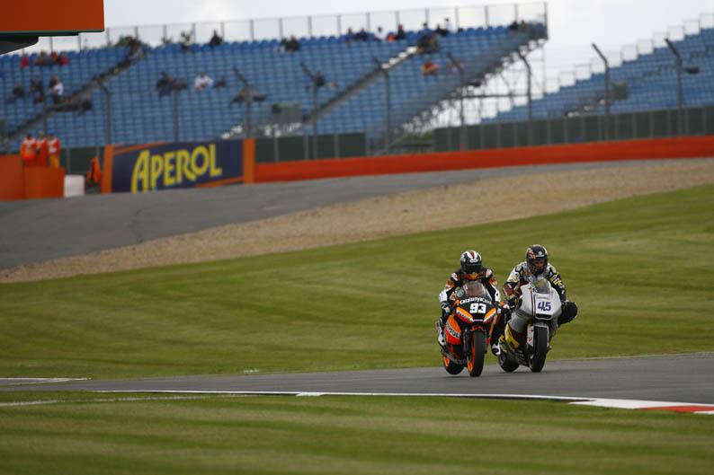 GP Inglaterra Moto2. Galería de fotos