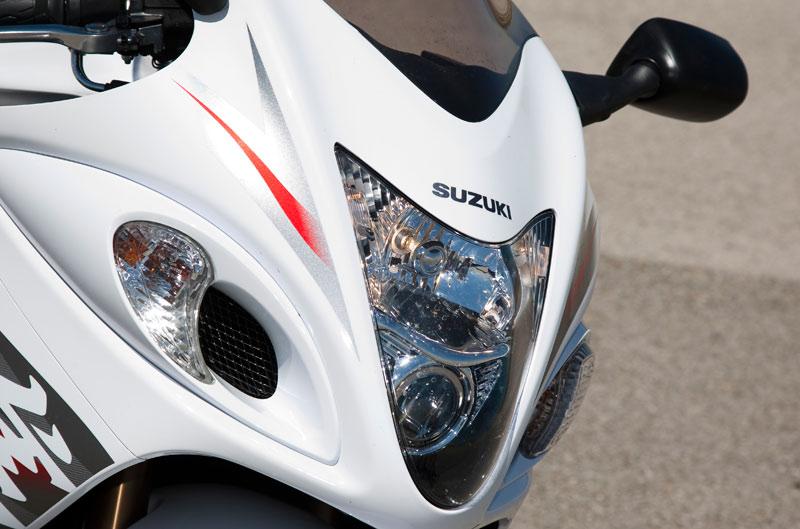 Cuerpo a cuerpo Kawasaki ZZR1400 - Suzuki GSX-R 1300 Hayabusa