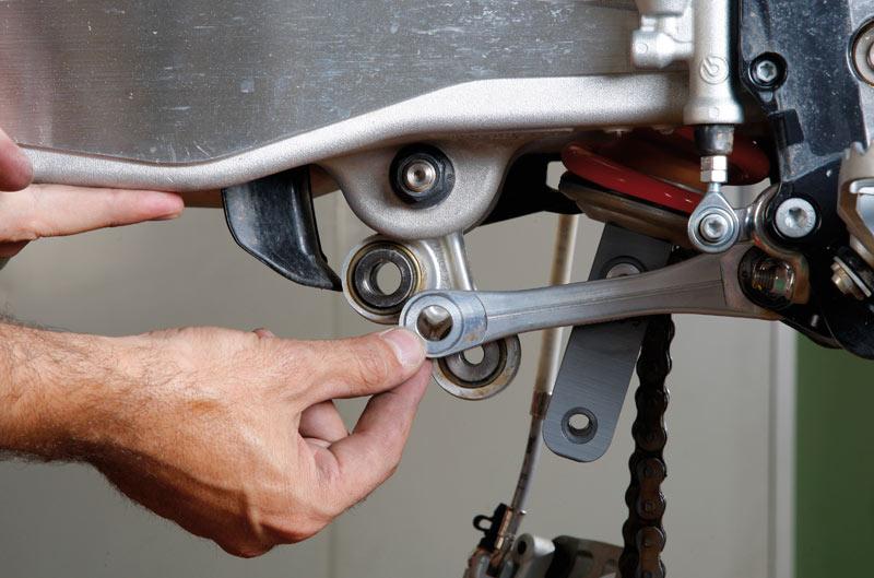 Cómo sustituir los rodamientos de las bieletas. Galería de fotos