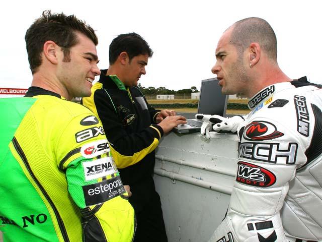 Fonsi y Laconi entrenan en Valencia
