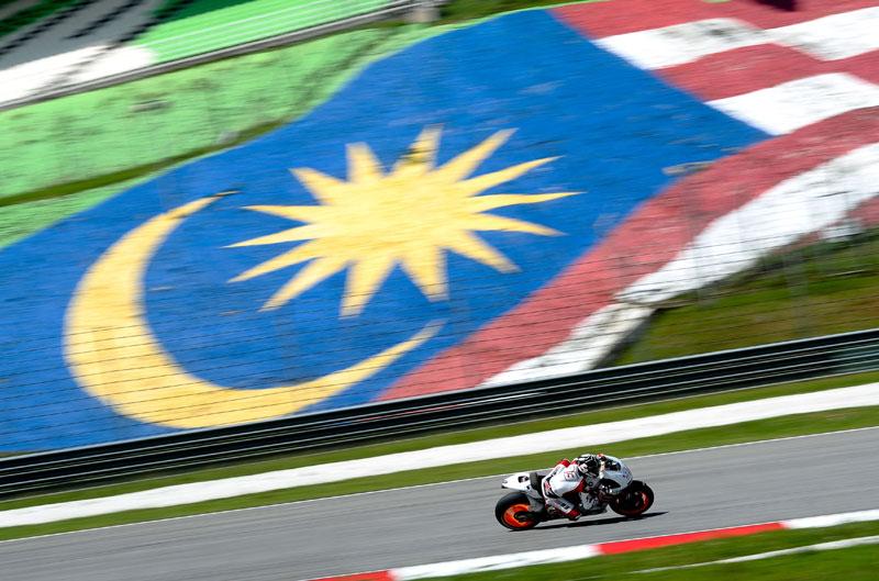 Márquez y Bautista se preparan en Malasia