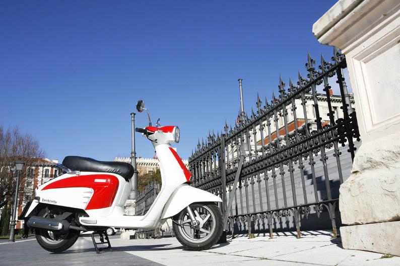 Kymco Like vs Lambretta LN 125. Comparativa scooter. Galería de fotos
