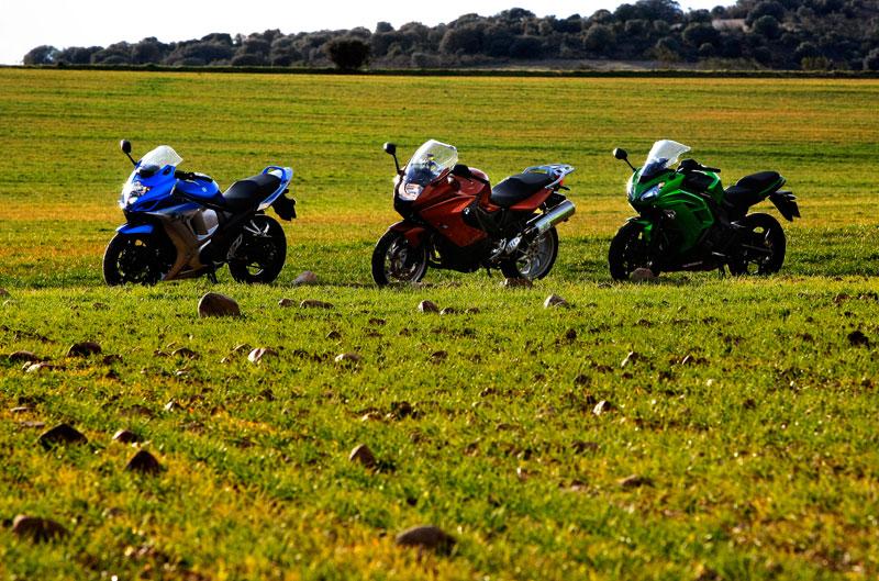 Comparativa Sport-Turismo: BMW, Kawasaki y Suzuki
