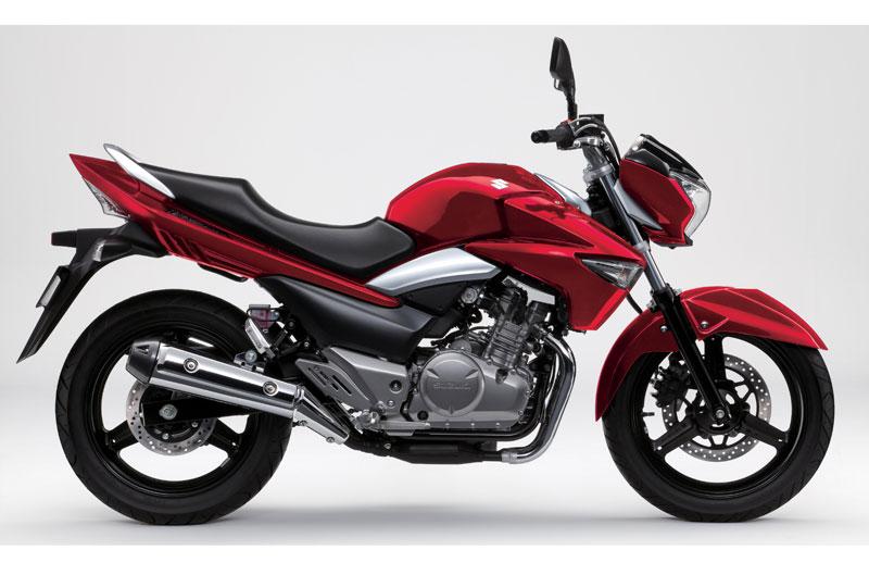Comparativa: Honda CBR250 R ABS, KTM 200 Duke y Suzuki Inazuma