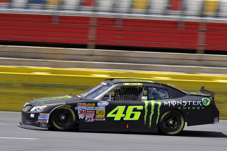 Valentino Rossi prueba un coche de la NASCAR