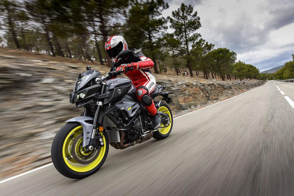 Yamaha MT-10 Tourer Edition: hyper naked de larga dista en Taringa!