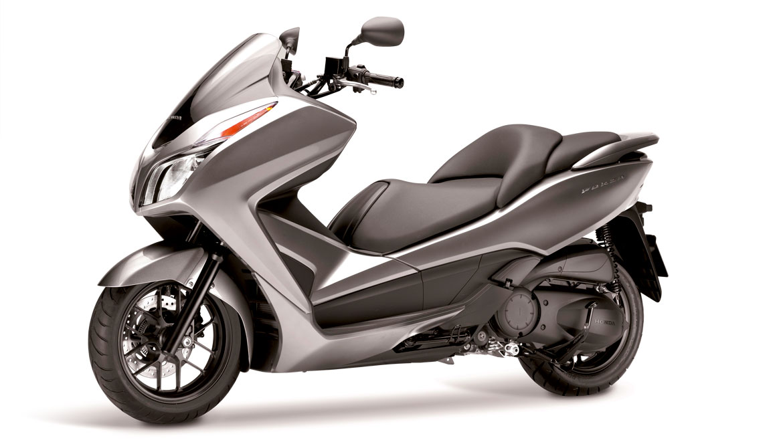 moto scooter honda 300cc