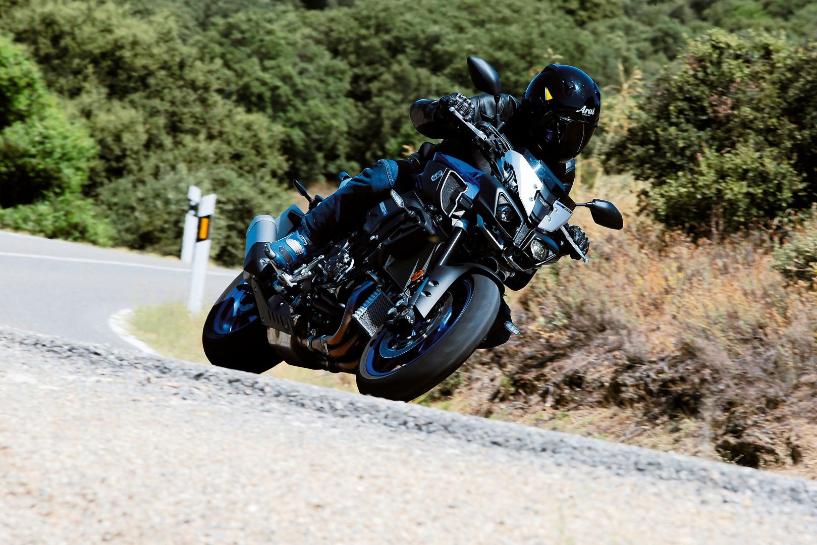 Yamaha MT-10, la naked más deportiva de la marca de los diapasones