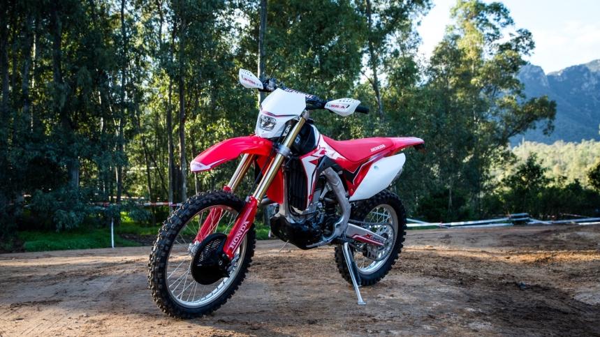"""35ae861662784 La """"versión de enduro con genética de cross country"""" de la mítica máquina  de Honda"""