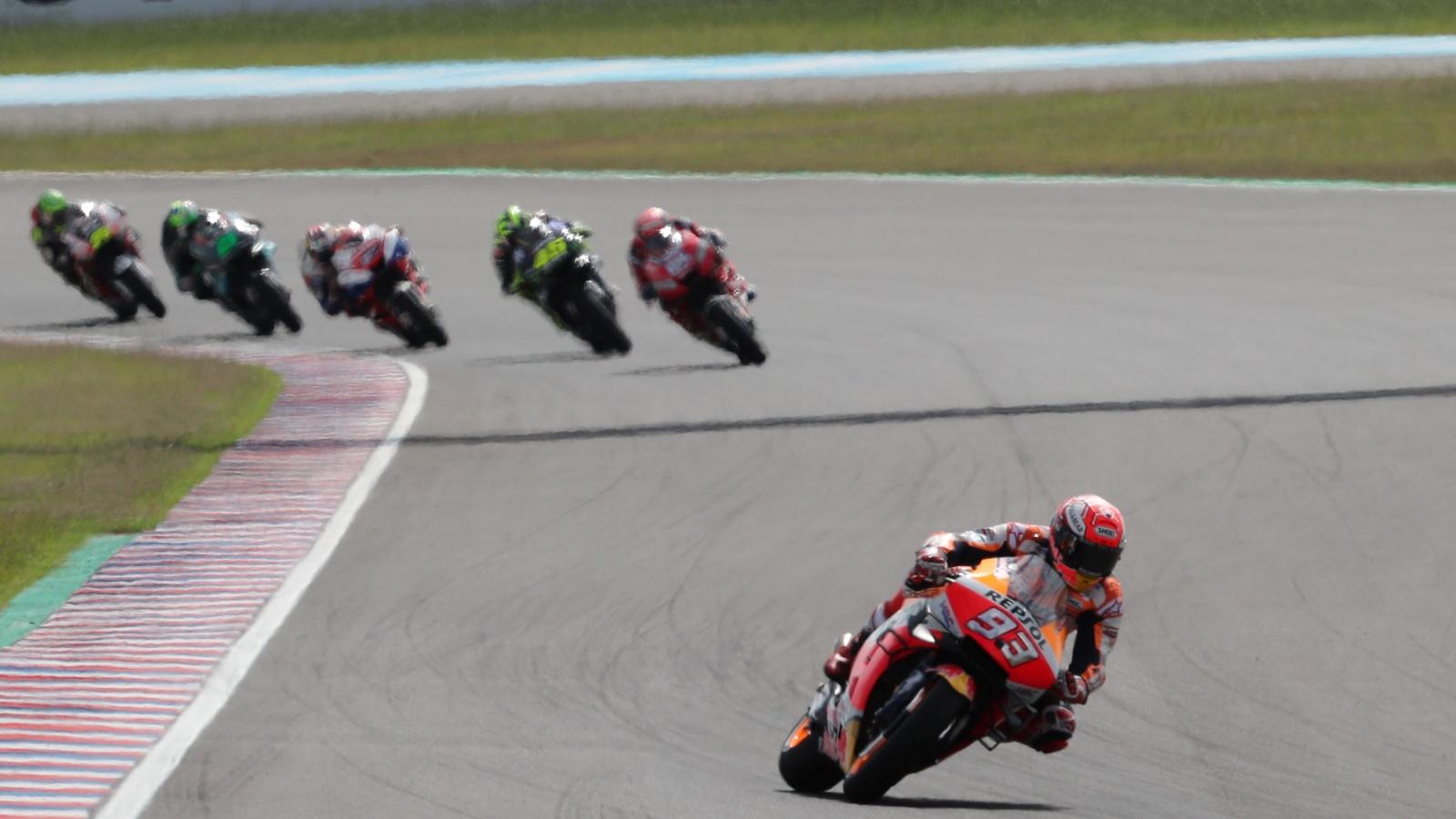 ¿En cuántos grandes premios no ha logrado ni victoria, ni pole ni vuelta rápida?